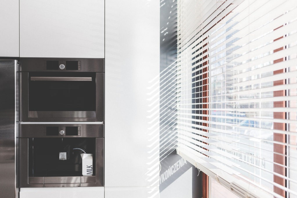 kaboompics-com_sun-in-the-kitchen